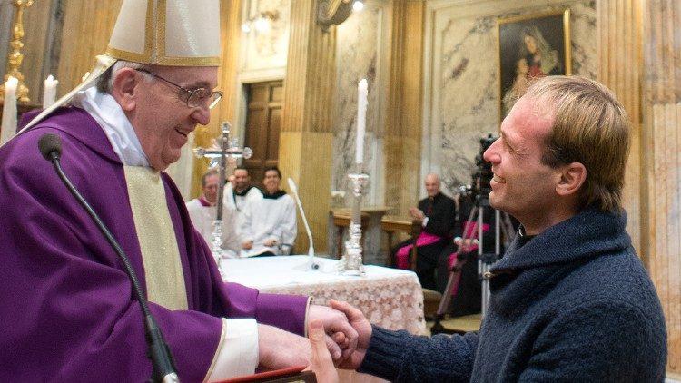 Padre Gonzalo Aemilius es el nuevo secretario particular del Papa