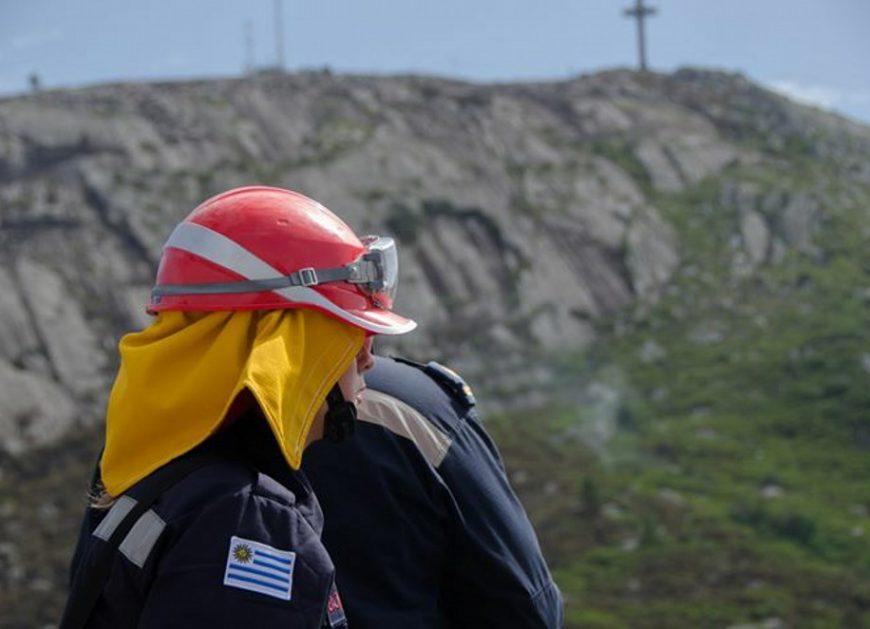 Bomberos dieron por completamente extinguido el incendio del Cerro Pan de Azúcar